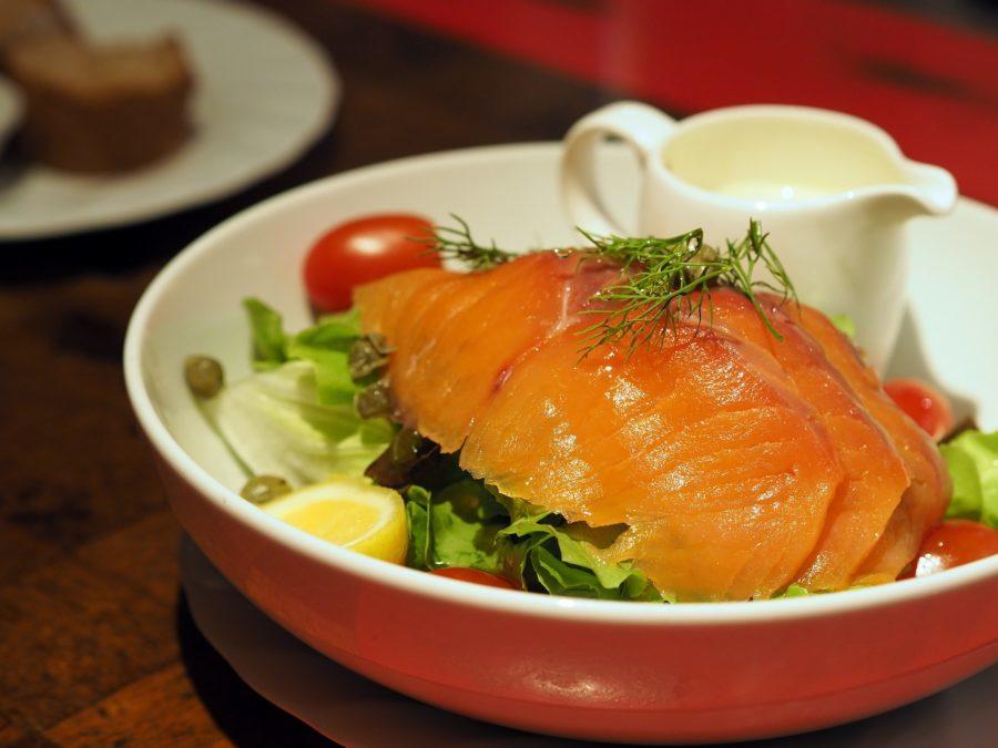 Salade estivale saumon-kiwi