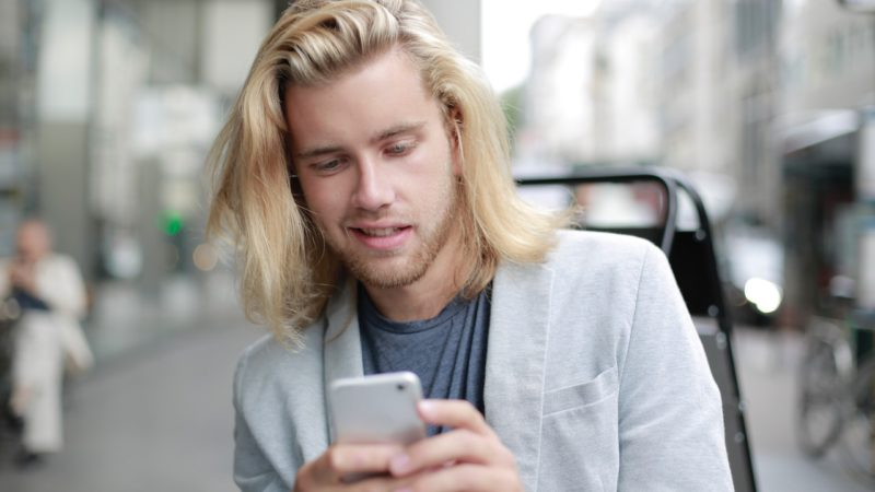 Homme : favoriser la pousse des cheveux
